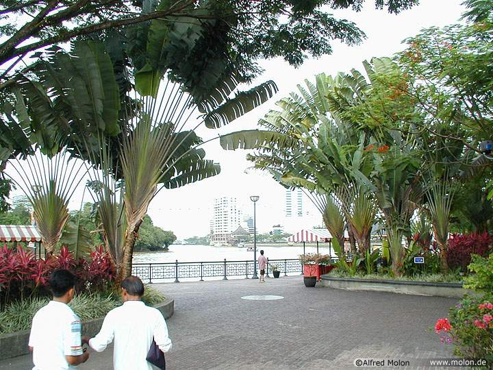 [Kuching Waterfront]